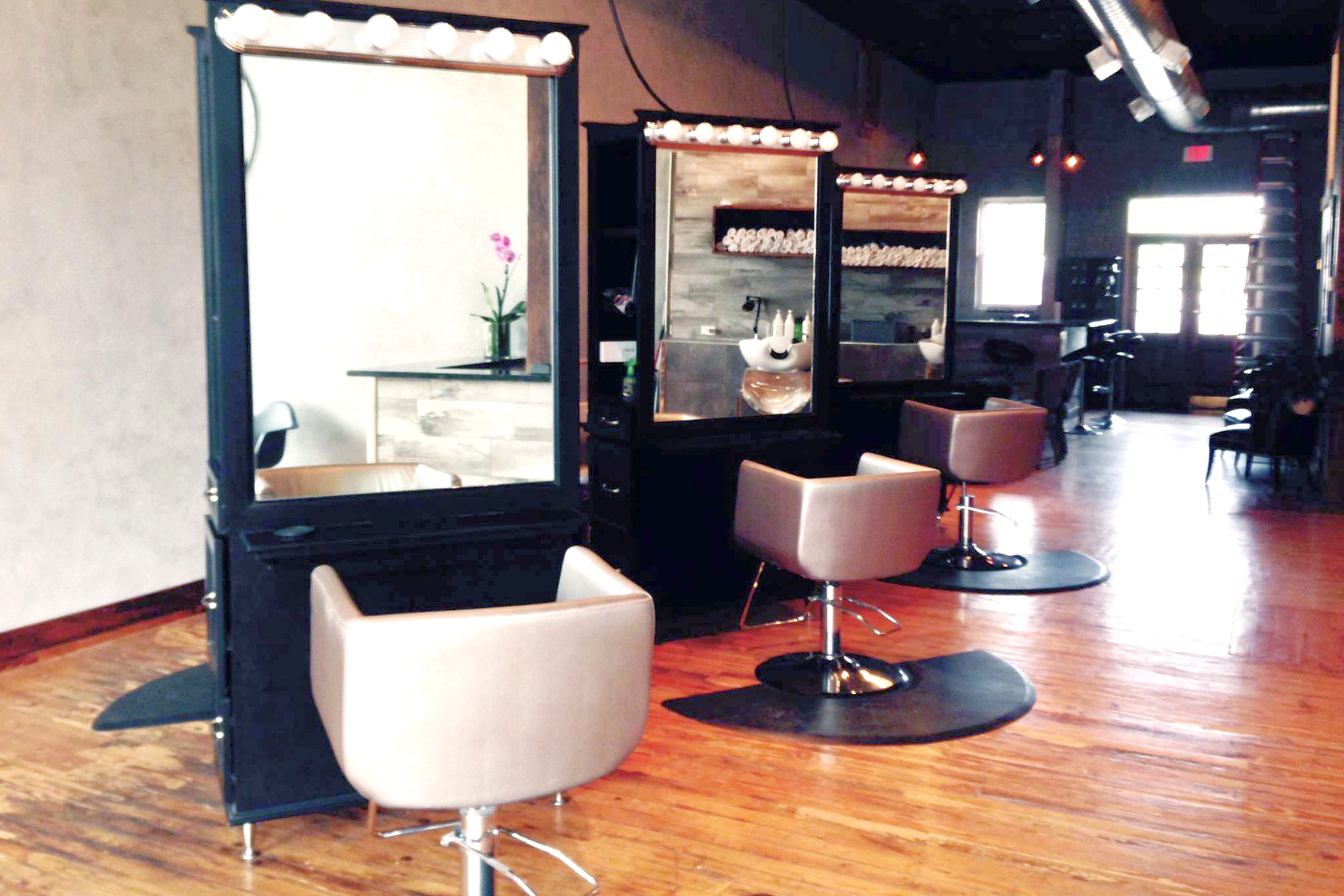 Mane salon and social house in springfield mo vagaro for 417 salon downtown